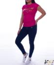 Feliratos magenta színű női póló