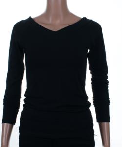 Fekete v-nyakú női felső
