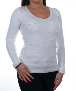 Fehér gyöngyös denevérujjú kötött női felső - Női pulóver e28bbba16e