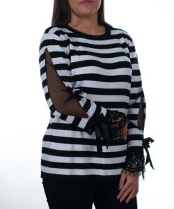 Fekete-fehér elegáns csipkés ujjú  finomkötött női pulóver