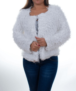 Fehér rövid fazonú, gyapjú műszőrme női dzseki
