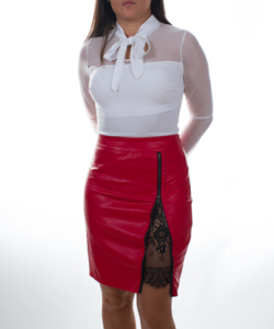 Piros csipkebetétes cipzáras műbőr női miniszoknya