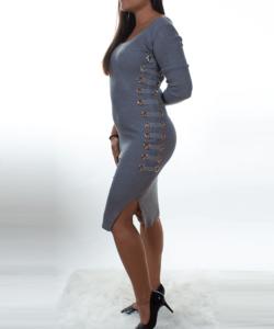 Szürke bordázott,női kötött ruha
