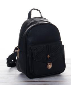 Díszcsatos fekete női hátizsák