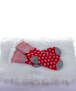 Rózsazsín-piros,pöttyös,bélelt,csúszásgátlós női szobazokni
