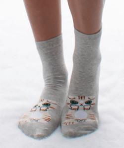 Szürke kiscica mintás pamut zokni